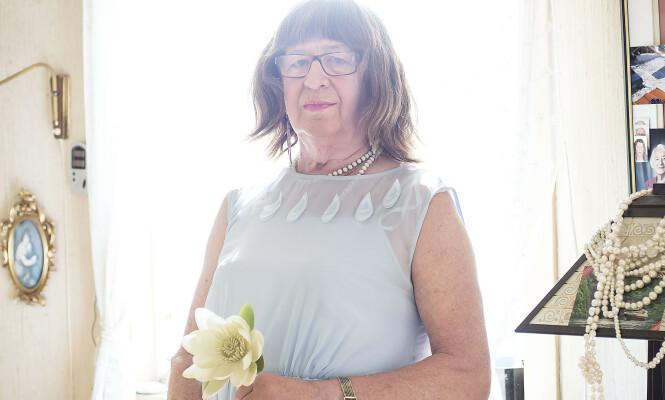 – Jeg vil være så mye dame som mulig, sier Anne. Arnes bukser er kastet ut av skapet. Foto: Silje Katrine Robinson