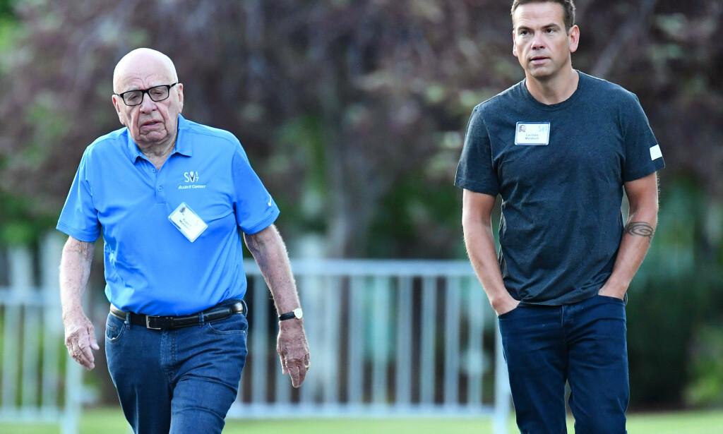 KJØPTE: Lachlan Murdoch sammen med faren, mediemogulen Rupert Murdoch. Foto: Rob Latour/REX