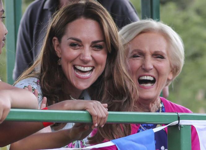 VERDENSKJENT: Kokken Mary Berry er for briter et meget kjent ansikt. Hun skal også ha inspirert prins Louis til å si et av sine første ord. Foto: NTB scanpix