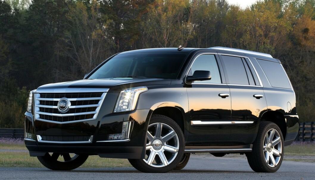 <strong>MODEN FOR UTSKIFTNING:</strong> Escalade er amerikanske kjendisers foretrukne måte å fraktes i. En rammebygget lastebil, forkledt krom og blank lakk. I 2021 kommer ny modell, også i elektrisk utgave. Foto: Cadillac.