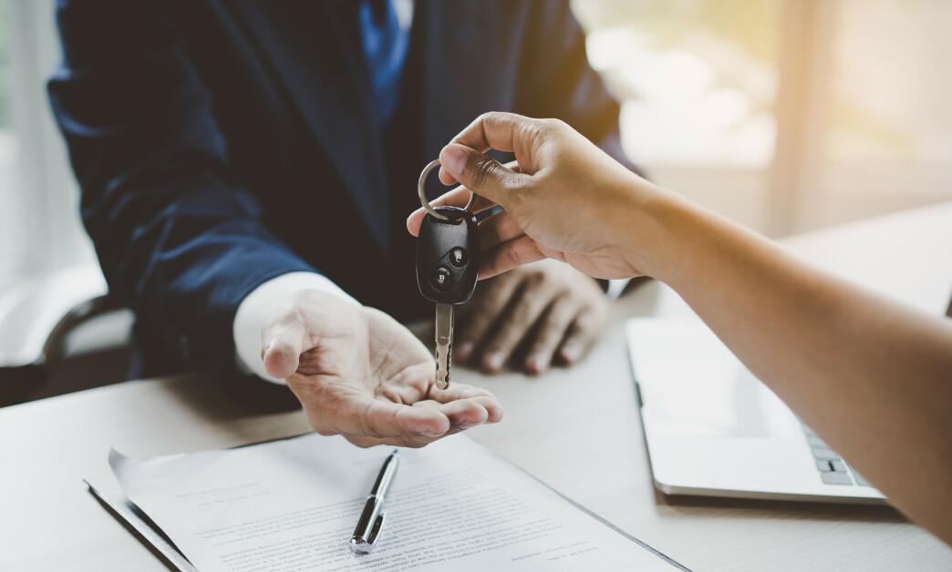 <strong>BILLÅN:</strong> Tenk deg om to ganger dersom du vurderer å ta opp rent billån til å finansiere bilkjøpet. Foto: Shutterstock/NTB Scanpix.