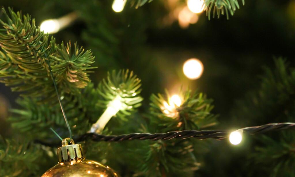 PASS PÅ: Which har testet billige juletrelys og advarer mot brannfarlige produkter fra Wish, AliExpress og eBay. Alle sier at produktene nå er fjernet fra nettstedene. Foto: NTB scanpix