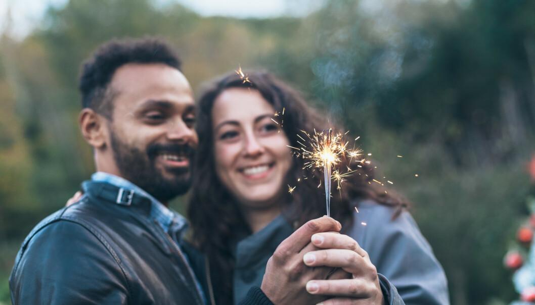 NYTTÅRSFORSETTER: Et nyttårsforsett for par er en forpliktende investering i VI'et. FOTO: NTB Scanpix