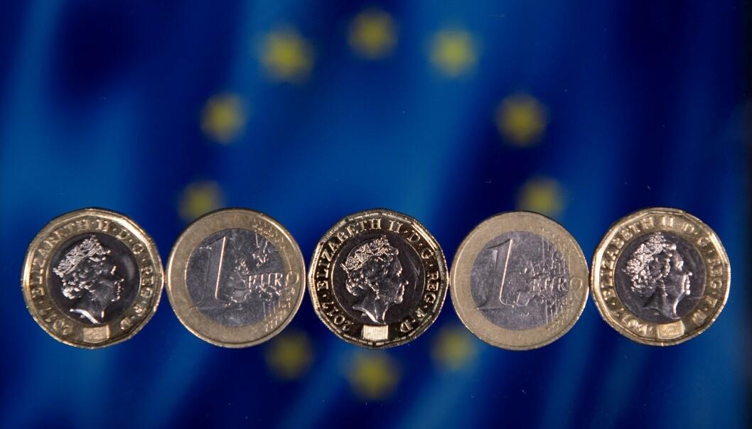 <strong>NESTEN HALVERT:</strong> I hele EU lå inflasjonen på 1,3 prosent i november, mot 1,1 prosent måneden før. Foto: Justin Tallis / AFP / NTB Scanpix