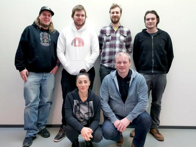 Christian Westbye, Mikael Fossum, Dexter Osiander, Nazar Kozak, Yasemin Hamurcu og Gøran Myrland utgjør Misc Games-gjengen som sitter i Stavanger. 📸: Privat