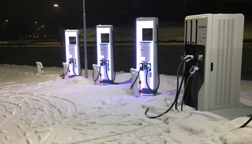 NY LYNLADER: På Dombås er nå første lynlader fra leverandøren Powered by E.ON Drive & Clever åpnet. Foto: Leverandøren