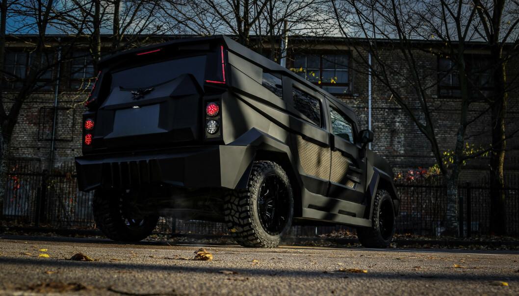 <strong>TIL LERRETET:</strong> Akkurat dette uhyret av en bil er laget for filmen. Hvilken film, vet vi ikke ennå. Foto: Dartz Grupa