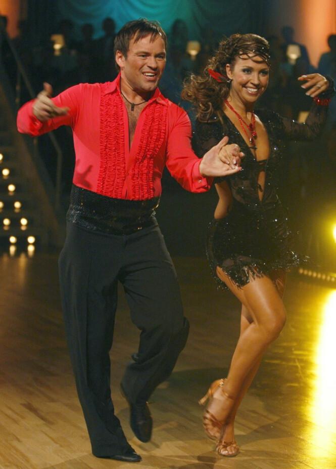 TREDJEPLASS: Mikkel Gaup og dansepartneren Therese Cleve danset seg til en tredjeplass under «Skal vi danse» i 2008. Foto: NTB Scanpix