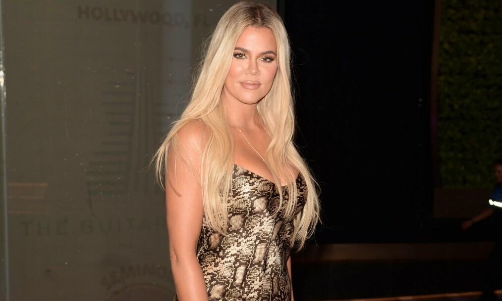 <strong>STILLER SPØRSMÅL:</strong> Flere av følgerne til realitystjernen Khloé Kardashian mener hun er ugjenkjennelig på de nye bildene hun delte av seg selv og datteren True på Instagram. Her er hun avbildet tidligere i år. Foto: NTB Scanpix