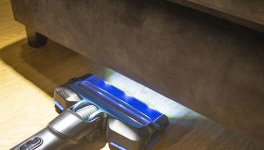 Ting du ikke trodde du trengte, men lys foran på støvsugeren har vist seg å være en ganske kjekk funksjon. Foto: Martin Kynningsrud Størbu