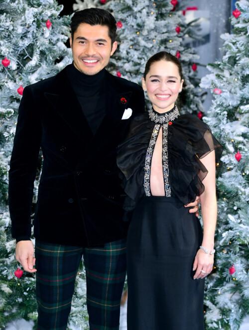 PREMIERE: Emilia Clarke på «Last Christmas»-premiere i London sammen med Henry Golding i november. Foto: NTB Scanpix