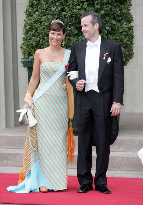 <strong>BRYLLUPSGJESTER:</strong> Prinsesse Märtha Louise og Ari Behn avbildet i bryllupet til kronprins Frederik og kronprinsesse Mary av Danmark. Foto: NTB Scanpix