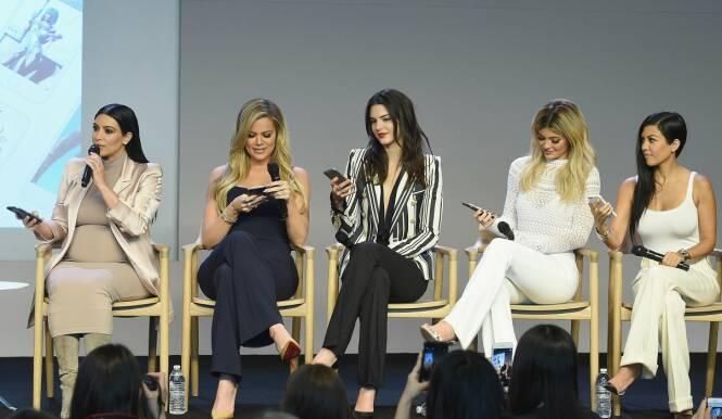 SØSTRE: Kim, Khloe, Kendall, Kylie og Kourtney. Foto: NTB Scanpix