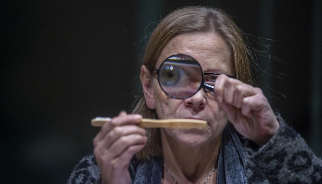 UNDER LUPEN: Anne Krigsvoll tror alle burde ha egentid til å tenke gjennom seg selv og livet sitt. Foto: Hans Arne Vedlog / Dagbladet