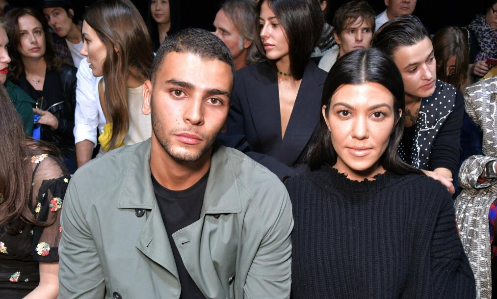 TILBAKE?: Underholdningsnettstedet People skriver at realitystjernen Kourtney Kardashian skal ha funnet tilbake til ekskjæresten Younes Bendjima etter at forholdet tok slutt i august 2018. Her er de sammen i 2017. Foto: NTB Scanpix
