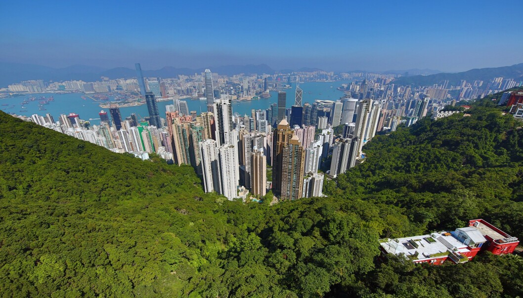 <strong>BOLIGKRISE:</strong> I Norge bor det rundt 16,5 innbyggere per kvadratkilometer. Tilsvarende tall for Hongkong er på 6539, og hvert eneste år flytter store mengder mennesker til området. Det har utløst en nær ufattelig boligkrise. Foto: Paul Brown / REX / NTB Scanpix