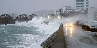 image: Stormsenter på vei mot norskekysten
