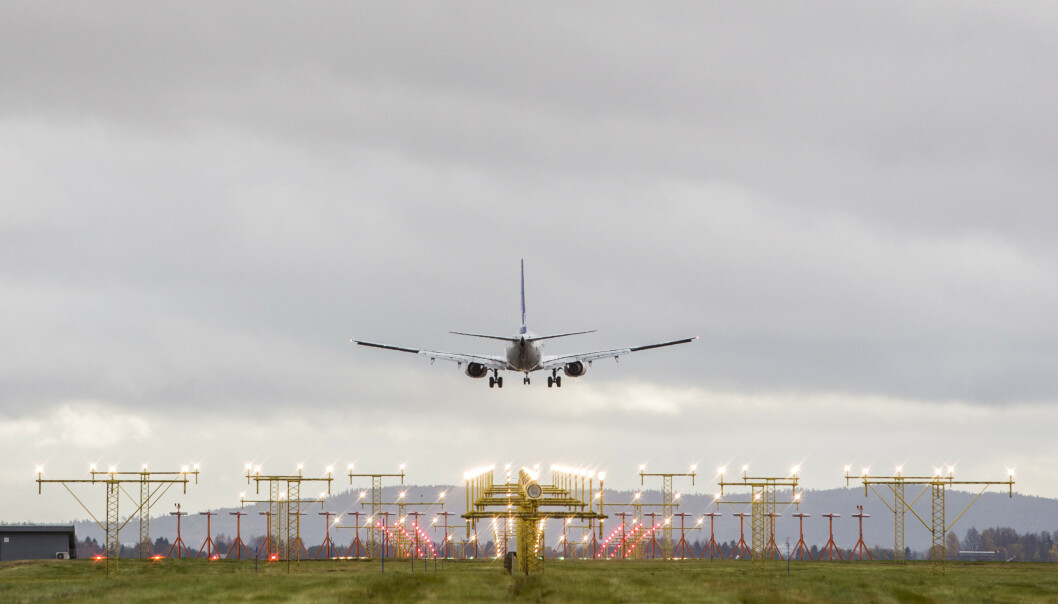 <strong>KRITIKK:</strong> Stortingspolitikere retter krass miljøkritikk mot Avinor, for støtteordninger for flyselskaper. Illustrasjonsfoto: Paul Kleiven / NTB scanpix