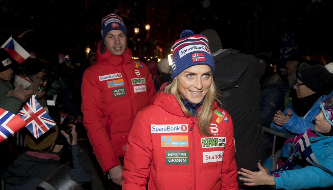 <strong>ADVARES:</strong> Henrik Ingebrigtsen tror ikke Therese Johaug helt hva hun sier når hun ønsker å bli trent av Gjert Ingebrigtsen. Foto: NTB Scanpix