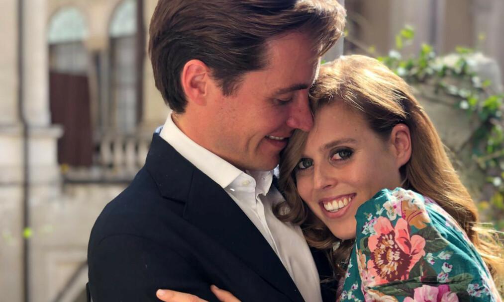 FORLOVET: I september i fjor ble det kjent at prinsesse Beatrice hadde forlovet seg med kjæresten Edoardo Mapelli Mozzi. Nå skal prins Andrews sexskandale angivelig ha fått konsekvenser for bryllupet som skal stå i løpet av 2020. Foto: NTB Scanpix