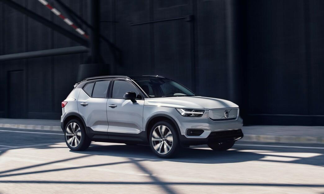 <strong>NY REKORD:</strong> Volvo har igjen satt ny global salgsrekord. Fra uke 3 kan Volvo nordmenn bestille elbilen XC40 Recharge, noe som kan fikse merkets <i>negative trend</i> i Norge. Foto: Volvo