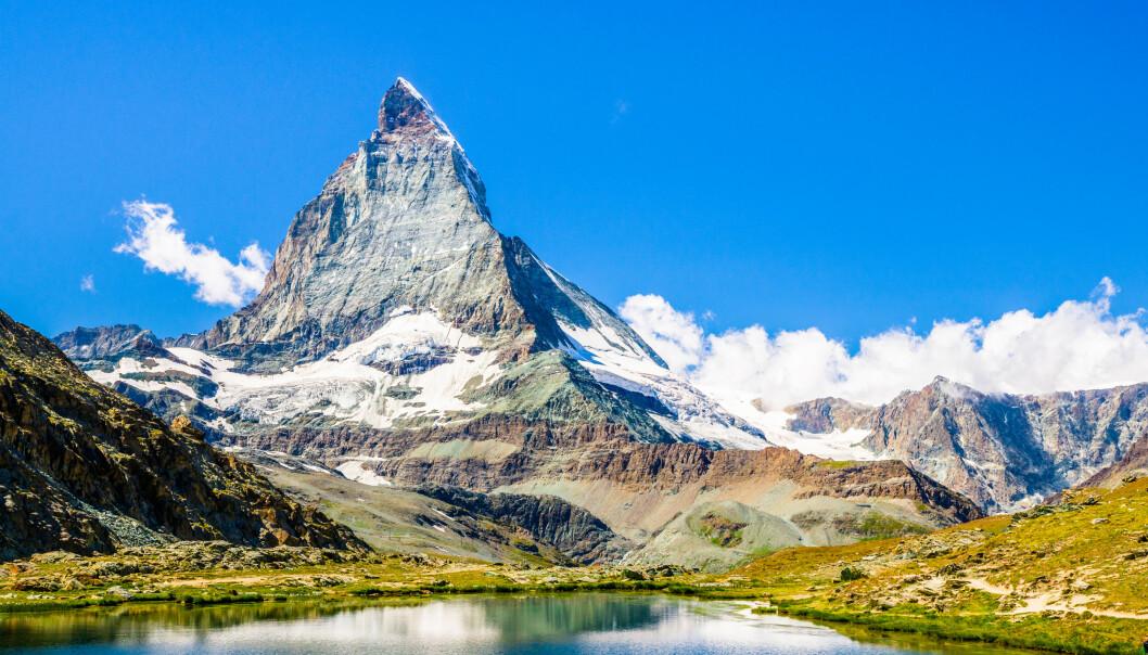 <strong>FARLIG FJELL:</strong> Matterhorn er 4478 meter høyt og befinner seg i Alpene. Det er ikke ufarlig å prøve å bestige dette ikoniske fjellet. Foto: Shutterstock/NTB Scanpix.