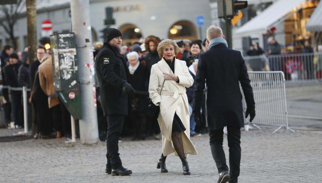 <strong>PÅ PLASS:</strong> Tidligere Bergens-ordfører og venn av Ari Behn, Trude Drevland, var blant de mange som hadde møtt opp i Oslo domkirke fredag. Foto: Christian Roth Christensen/ Dagbladet