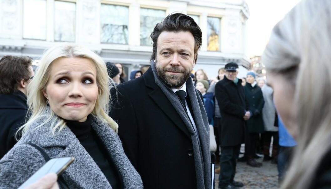 <strong>TALTE:</strong> Kåre Conradi og hans samboer, artist Lene Marlin, tok farvel med Ari Behn i dag. Førstnevnte talte også i kirken. Foto: Nina Hansen