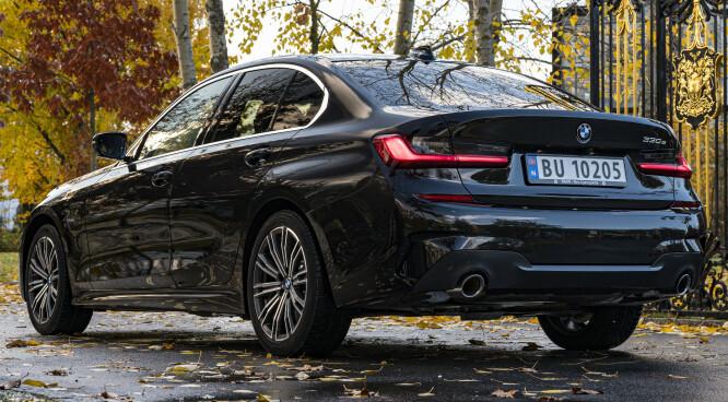 <strong>EN ULEMPE:</strong> Nordmenn liker egentlig ikke sedan, men andelen sedaner vokste kraftig hos BMW da 3- og 5-serien kom som ladbar spreking. Nå kommer den snart som stasjonsvogn også. Foto: Jamieson Pothecary.