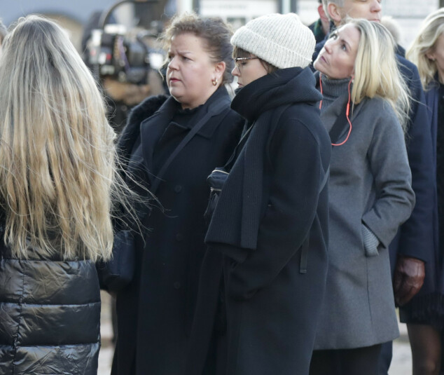 TIL STEDE: Søstrene Else og Ramona Kåss Furuseth. Foto: NTB scanpix