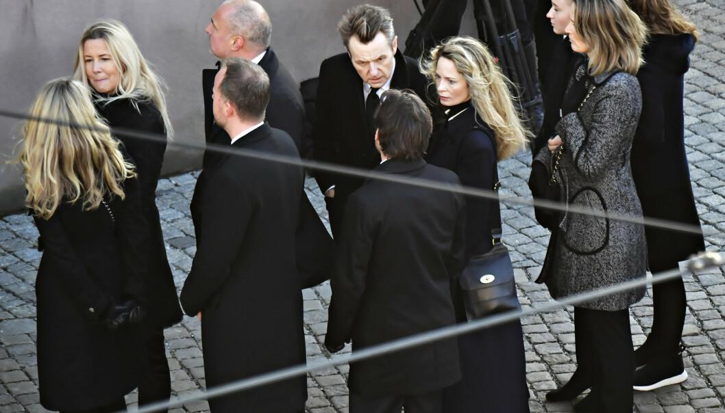 TIL STEDE: Fredrik Skavlan kom tidlig til kirken sammen med Maria Bonnevie. Foto: Lars Eivind Bones / Dagbladet
