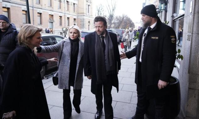SAMLING: Lene Malin og Kåre Conradi på vei til minnestund. Foto: John T Pedersen/Dagbladet