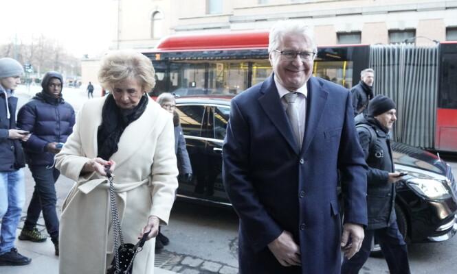 MINNESTUND: Trude Drevland og Fabian Stang dro til Theatercaféen etter bisettelsen. Foto: John T Pedersen/Dagbladet