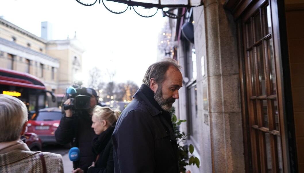 TROND GISKE: Politiker Trond Giske var også en nær venn av Ari Behn. Her er han på vei inn til minnesamværet. Foto: John T. Pedersen