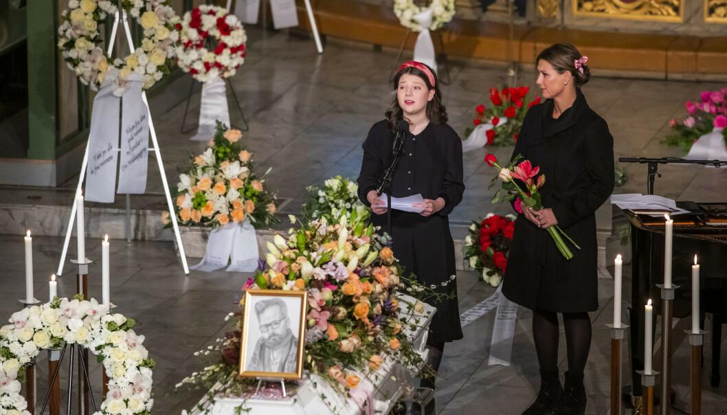 Maud Angelica Behn (til venstre) sammen med prinsesse Märtha Louise under Ari Behns bisettelse fredag. Foto: Håkon Mosvold Larsen / NTB scanpix