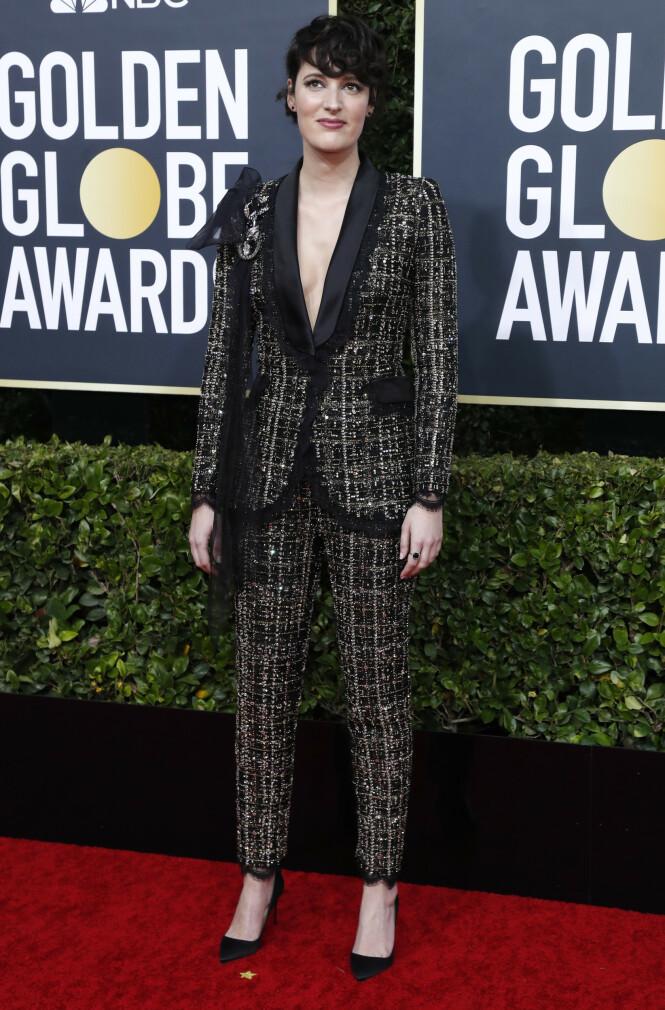 PHOEBE WALLER-BRIDGE: Skuespilleren har sammen med designerduo Ralph & Russo planer om å auksjonere bort denne dressen og gi pengene til brannene i Australia. Foto: NTB Scanpix