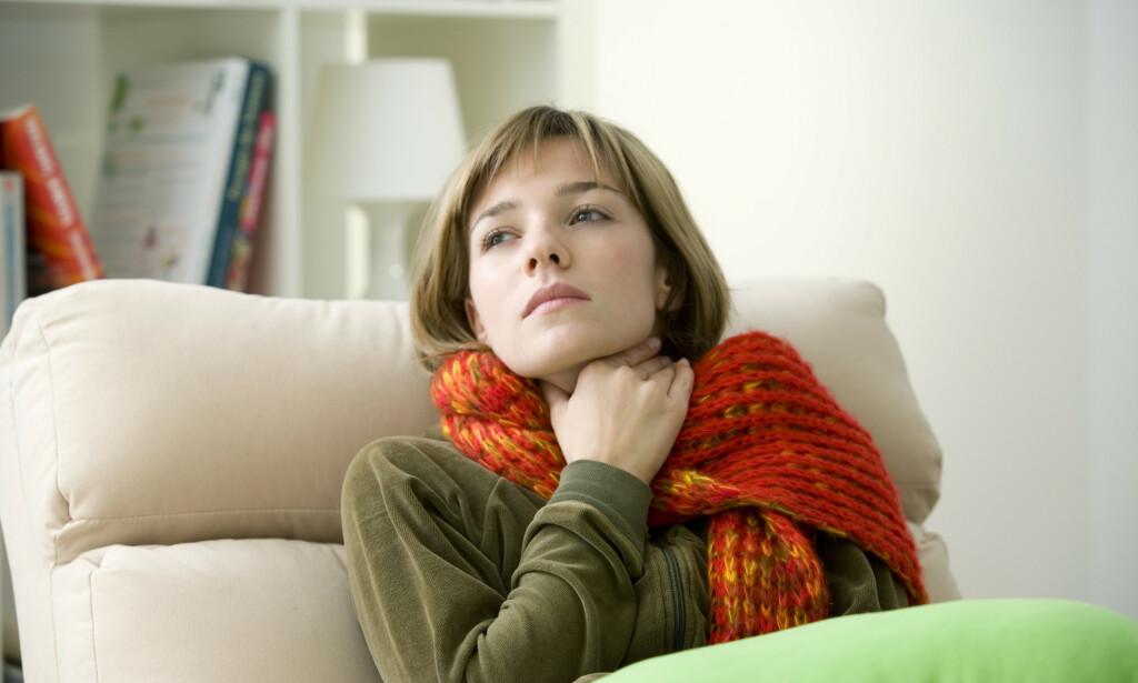 VOND HALS: Smerter i halsen tyder ofte på en halsbetennelse. Foto: Shutterstock / NTB Scanpix