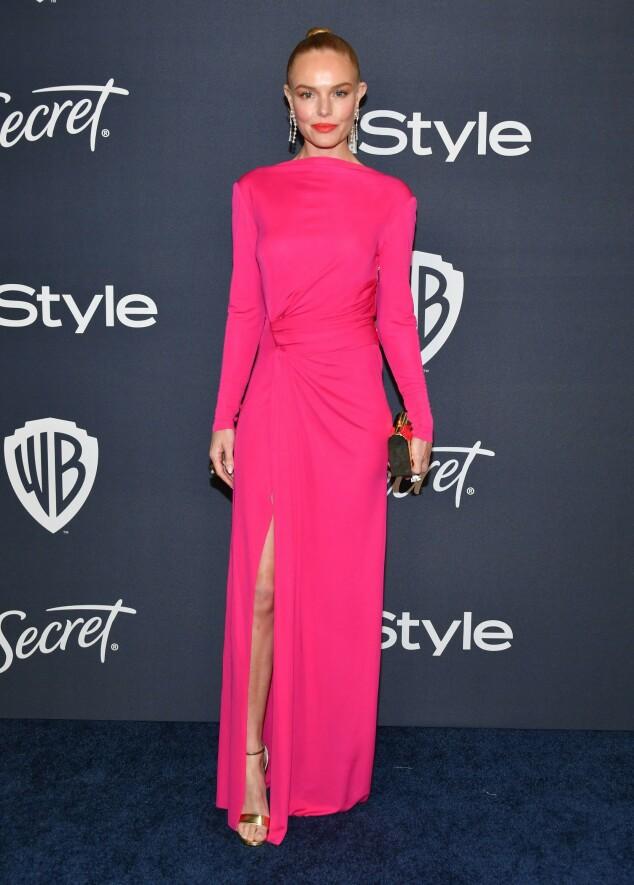 KATE BOSWORTH: Skuespilleren var mer tildekket enn en del andre på Golden Globe-etterfesten, men stjal nok mye oppmerksomhet med sin sjokkrosa, draperte kjole. Foto: NTB scanpix