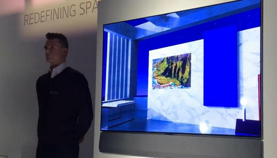 <strong>KUNST-TV:</strong> Gallery-serien består av TV-er som skal være minst like mye et kunstverk som en TV, ifølge LG. Foto: Bjørn Eirik Loftås