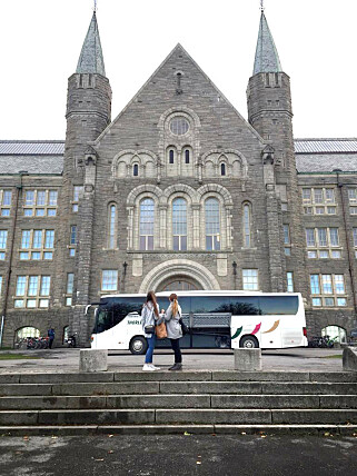 """""""Hovedbygget på skolen (det som ligner på Galtvort)"""" skriver Regine Ruud om bildet av Gløshaugen på NTNU i Trondheim. 📸: Privat"""