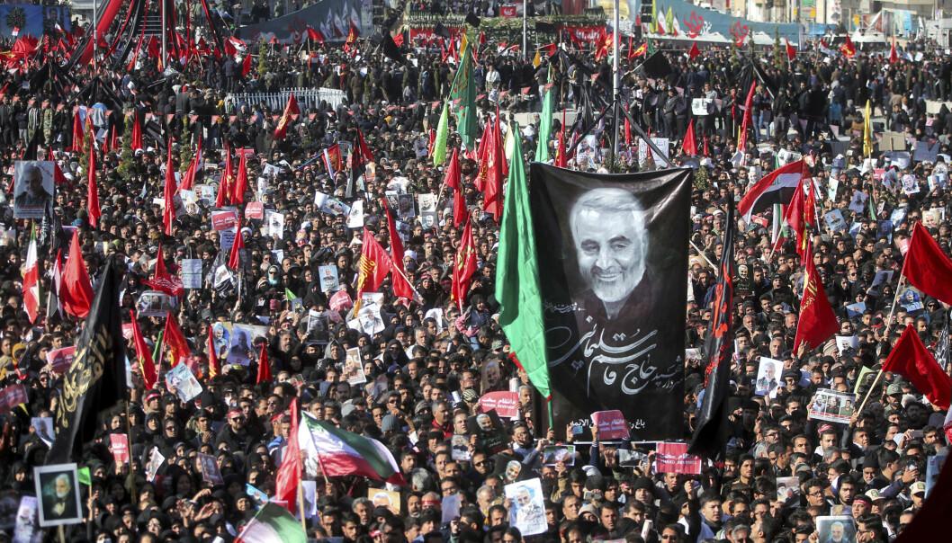 Over 50 tråkket til døde i Soleimanis gravferd