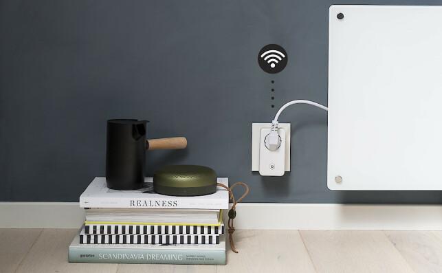 STYR VARMEN MED TELEFONEN: Med en WiFi termostatplugg, kan du enkelt styre temperaturen i ulike rom med telefonen din.