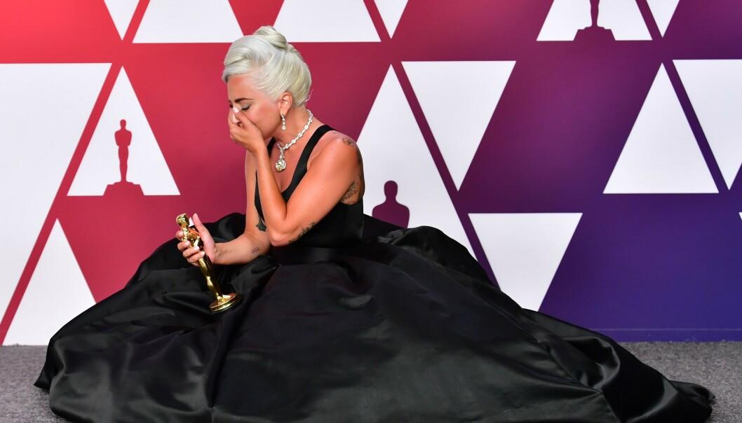 TAKKNEMLIG: Dypt rørt over Oscar 2019 for låta Shallow, fra filmen A Star Is Born. Foto: NTB Scanpix