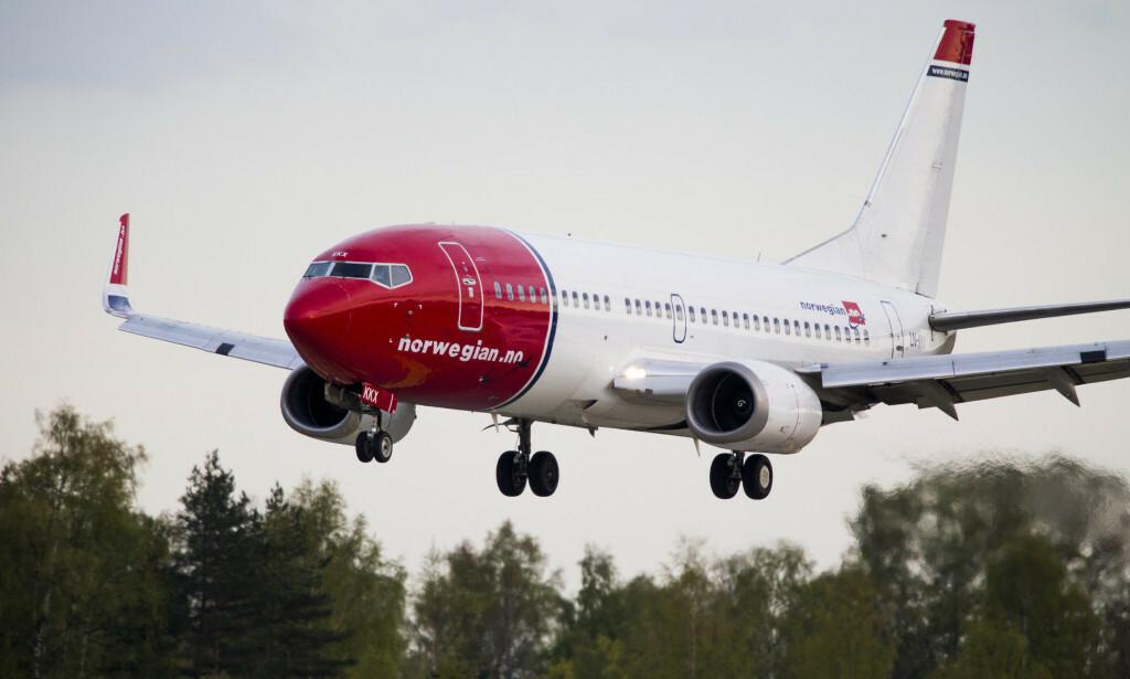 ENDRINGER: Norwegian innfører endringer og sier de vil begynne å ta betalt for håndbagsje som ikke får plass under setene. Foto: Erlend Aas / NTB scanpix