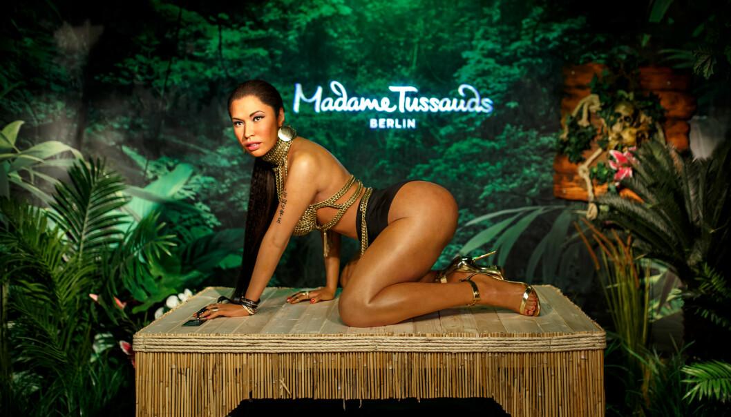 VEKKER OPPSIKT: Voksfiguren av Nicki Minaj på Madame Tussauds museet i Berlin har ikke gått ubemerket hen hos fansen. Foto: NTB Scanpix