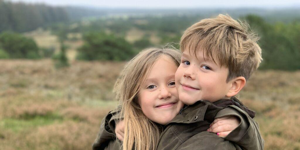 image: Deler nye bilder av sjarm-tvillingene