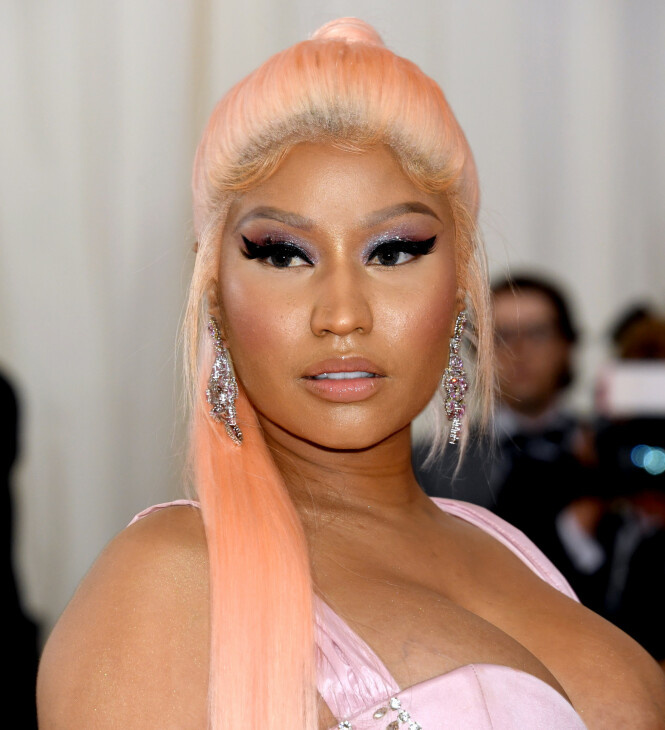 PÅ RØD LØPER: Nicki Minaj - slik hun ser ut i virkeligheten - på Met-gallaen i New York i 2019. Foto: NTB scanpix