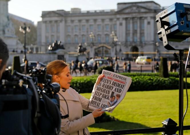 MEDIEOPPSLAG: Exit-en til Meghan og Harry ble selvsagt medieoppslag over hele verden. Foto: NTB Scanpix