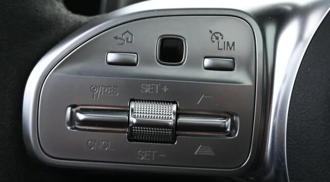 LIVREDDERNE: Fartsholderen er eneste redningen for mange som kjører de største AMG-modellene. De ber nemlig om å bli kjørt hardt og det er lett å la seg friste. Foto. Rune M. Nesheim