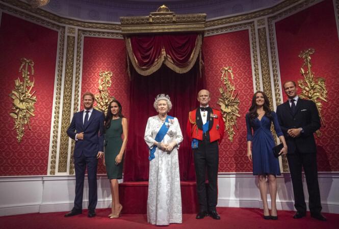 <strong>FØR:</strong> Tidligere sto Harry og Meghan ved dronning Elizabeths side. Foto: NTB Scanpix